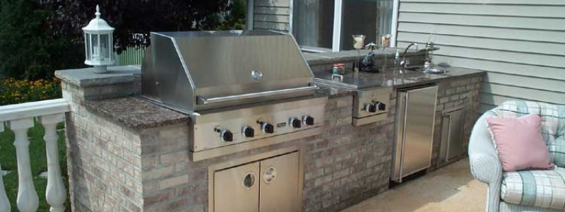 Outdoor Kitchens and Hardscaping